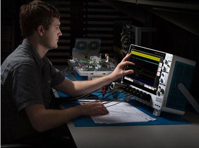 泰克革命性5系列混合信号示波器1
